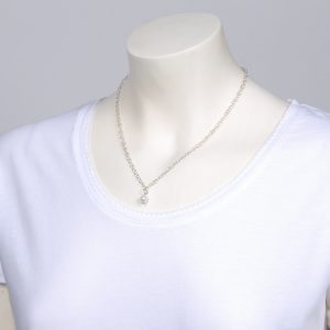 Silver necklace with white pearl