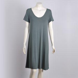 Vestido verde-gris de punto