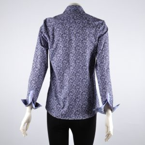 Blusa camisera estampada lila y gris